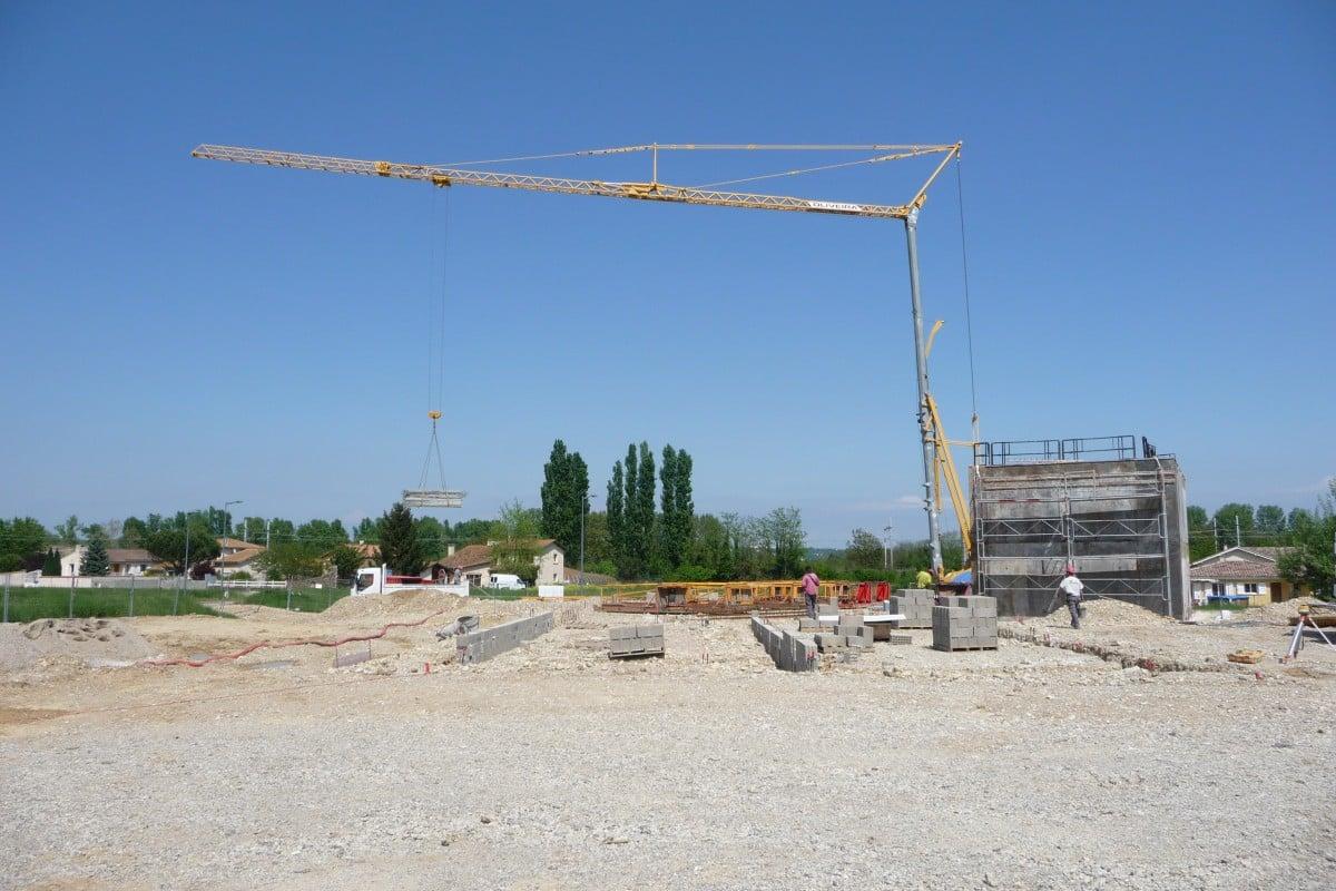 Grue de chantier Oliveira S.A.