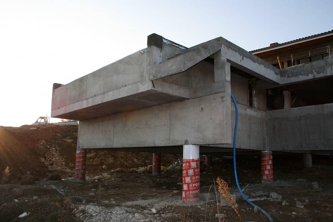 R alisation d 39 une piscine sur pieux st cyr 07 for Construction piscine tva 5 5
