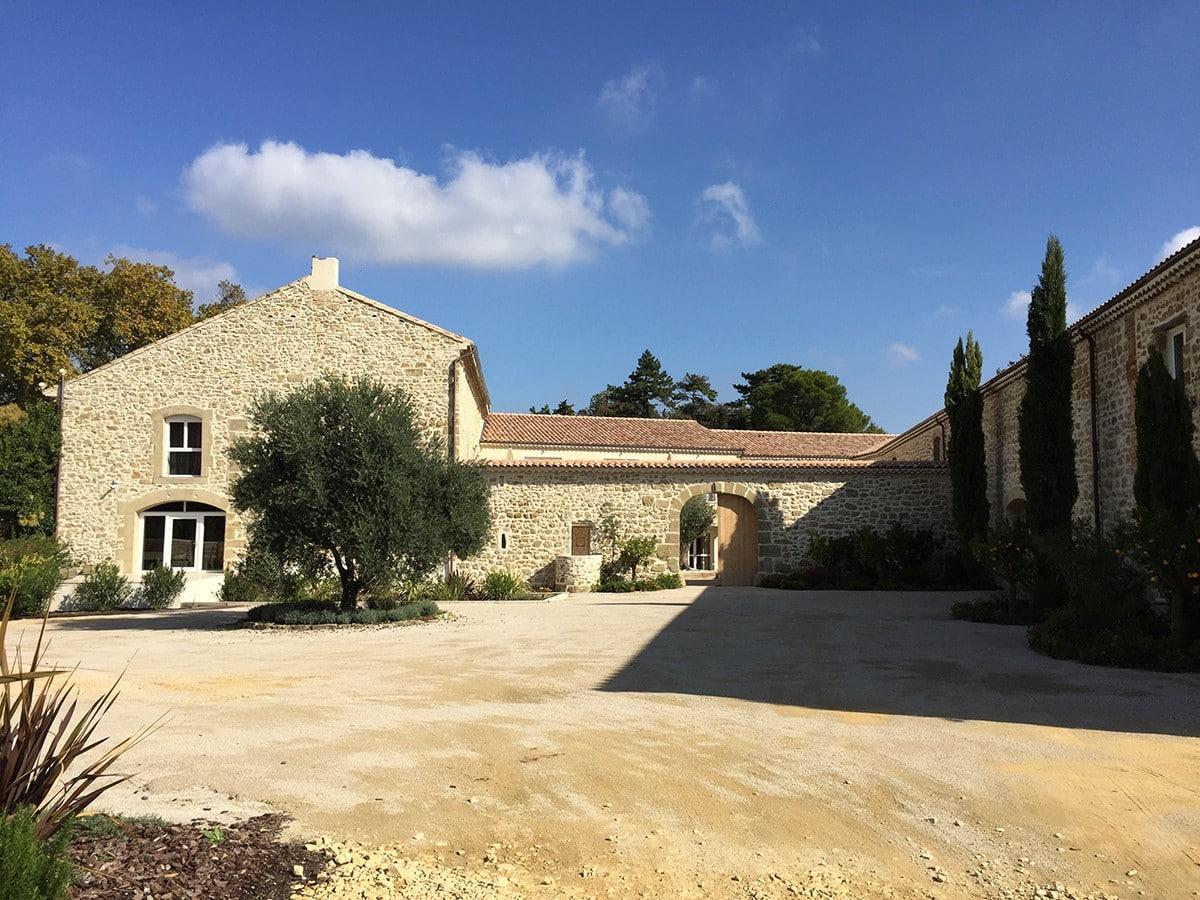renovation-chateau-massillan-uchaux-oliveira-sa-7-1200x900.jpg