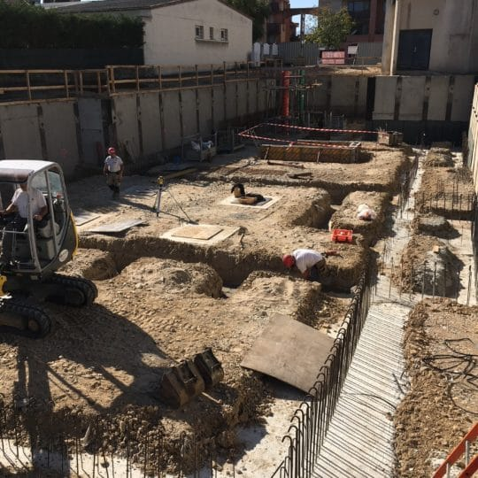 https://www.oliveira-sa.com/wp-content/uploads/2016/03/renovation-et-extension-de-la-mediatheque-de-st-maurice-l-exil-38-3-540x540.jpg
